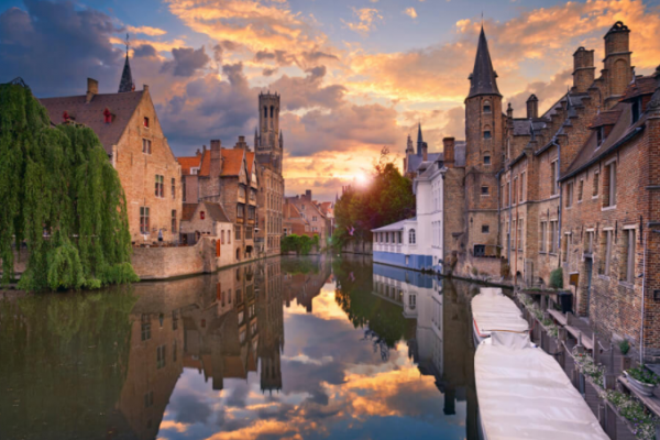 "5 "" Romantic cities in Europe"""