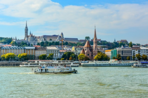 "5 coordinates to travel in ""Hungary"""